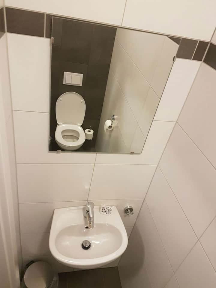 KWO-villa-villa-alpenrose-22-toilet-begane-grond-0799