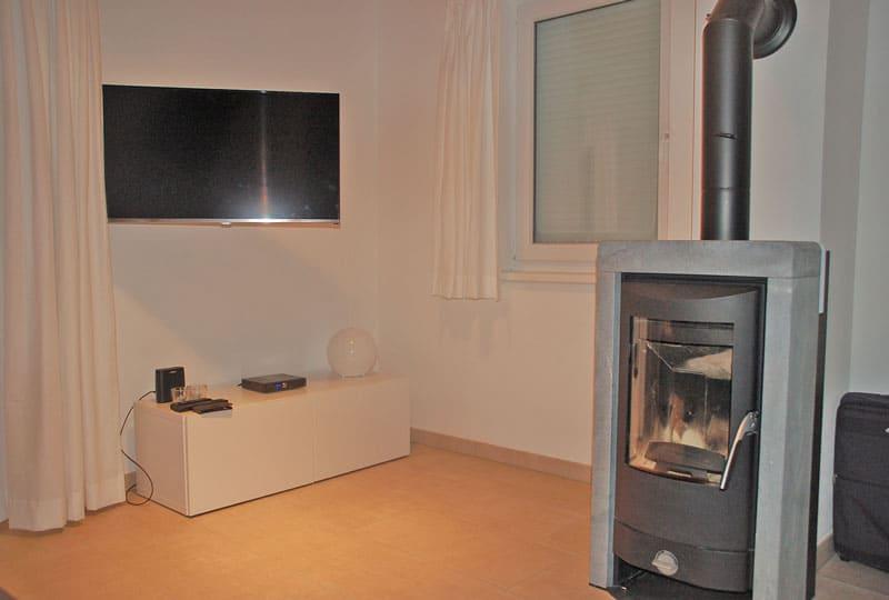KWOvilla-casa-mariti-woonkamer-tv-open-haard