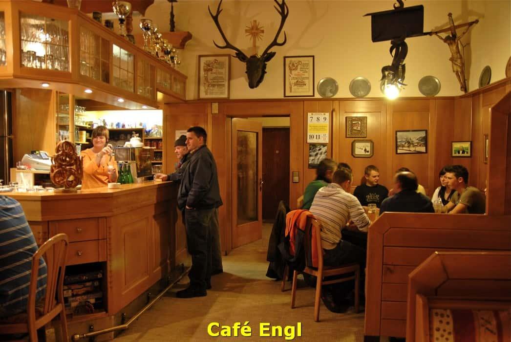 kwo-villa-activiteit-kotschach-karinthie-oostenrijk-09-cafe-engl