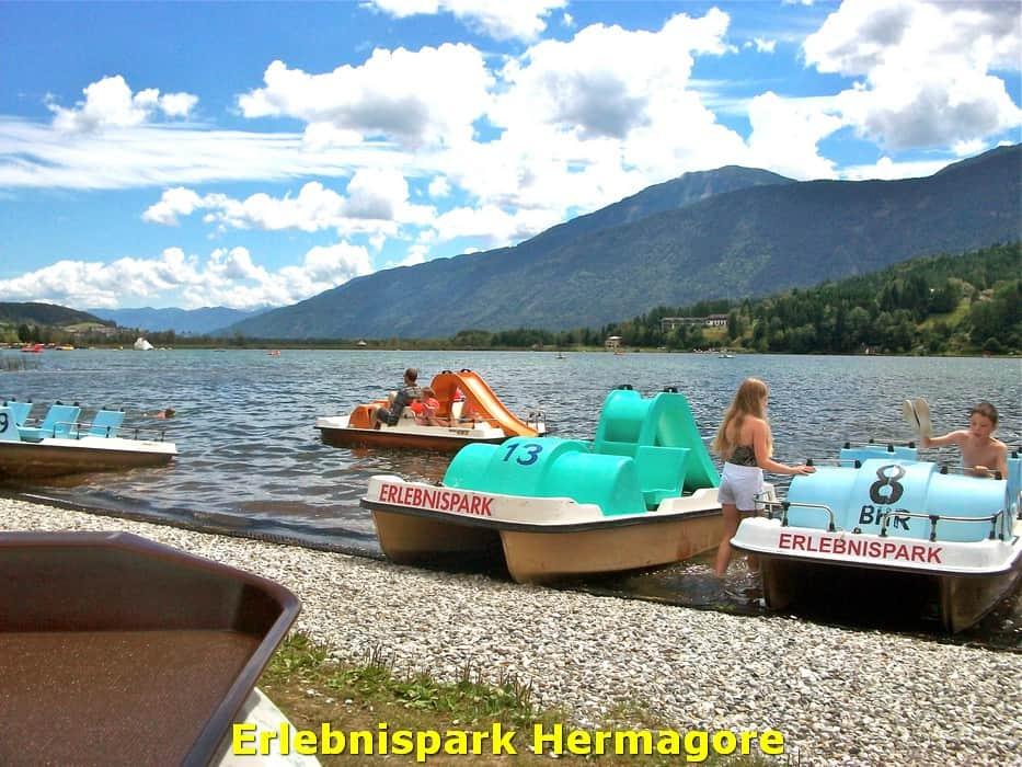 kwo-villa-activiteiten-kinderen-karinthie-oostenrijk-19-waterfietsen-erlebnispark-hermagore