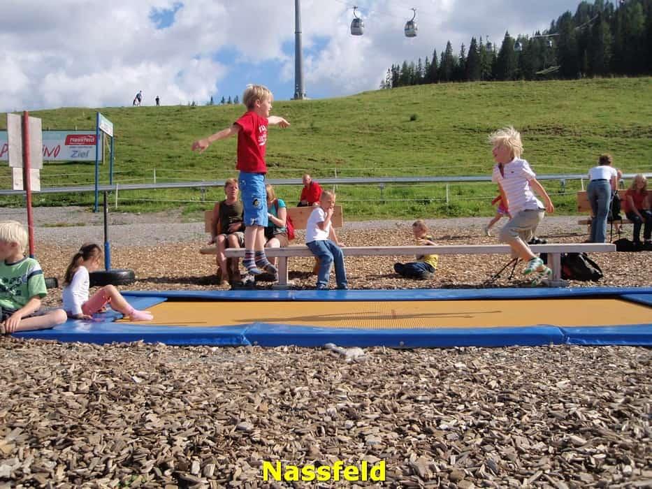kwo-villa-activiteiten-kinderen-karinthie-oostenrijk-27-trampolinespringen-nassfeld